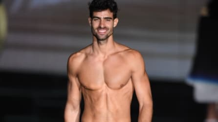 Calzedonia Summer Show: in passerella arrivano anche gli uomini muscolosi e sexy