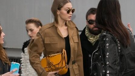 Le star che indossano la borsa Dahlia di Miu Miu