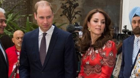 L'abito rosso con le decorazioni indiane di Kate Middleton