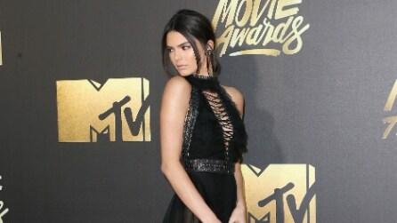 """I sandali """"gladiator"""" di Kendall Jenner spopolano"""