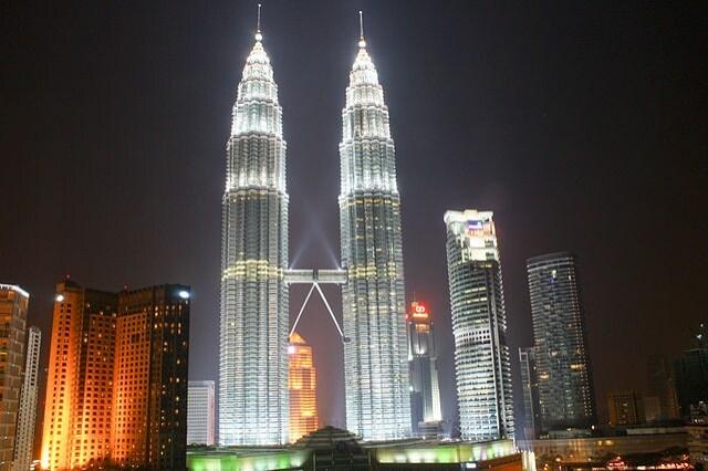 https://commons.wikimedia.org/wiki/File:Petronas_Towers,_Kuala_Lumpur_(4448480310).jpg