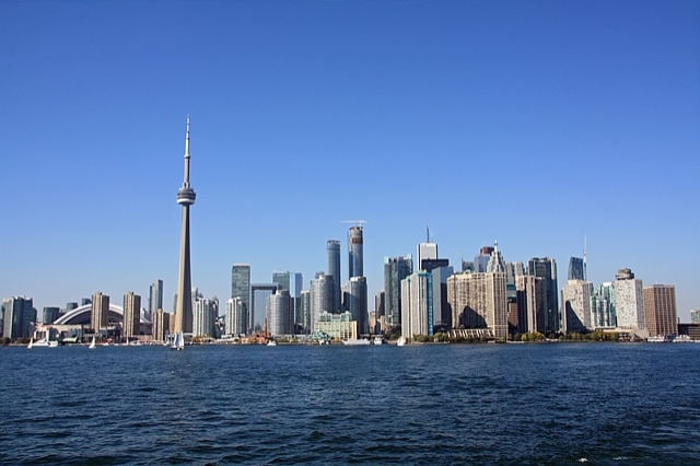 https://en.wikipedia.org/wiki/Greater_Toronto_Area#/media/File:Toronto_Skyline_September_2014.jpg