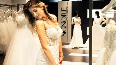 L'abito da sposa di Martina Stavolo, la stilista è Valeria Marini