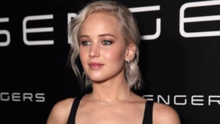 Il bob color argento di Jennifer Lawrence