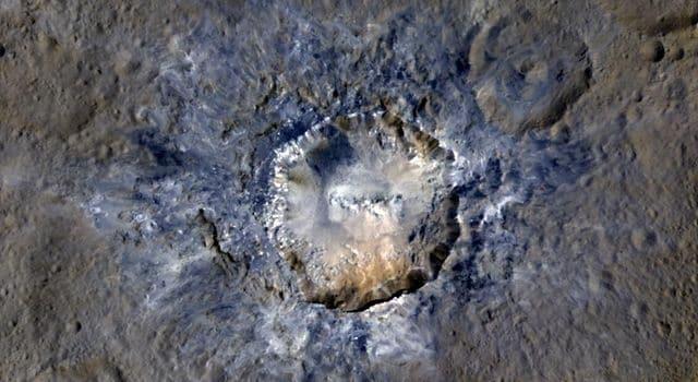 Haulani, 34 chilometri di diametro