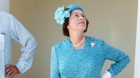 I 90 anni della regina Elisabetta in 52 look