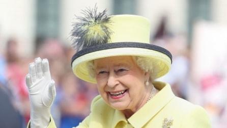I cappelli più strani della regina Elisabetta: 90 anni in 90 copricapo originali