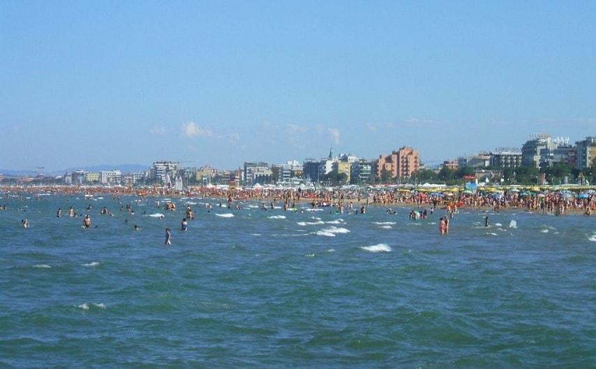 https://commons.wikimedia.org/wiki/File:Rimini_Waterfront.jpg