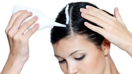 SOS ricrescita: come coprire i capelli bianchi con lo spray colorato