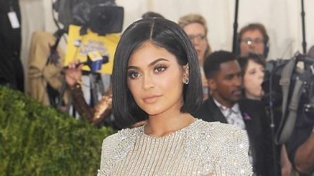 Nuovo look per Kylie Jenner: anche per lei è il momento del bob