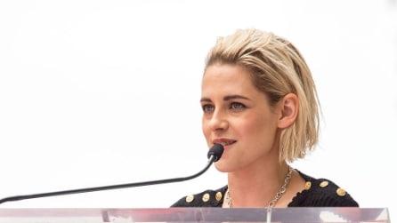 Kristen Stewart diventa bionda