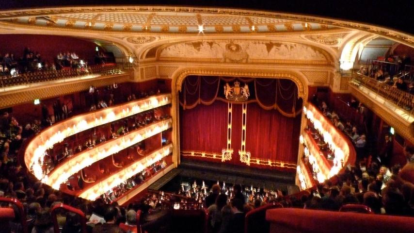 È il teatro più importante d'Inghilterra. Ha ispirato molte opere di George Handel, esibite qui per la prima volta.