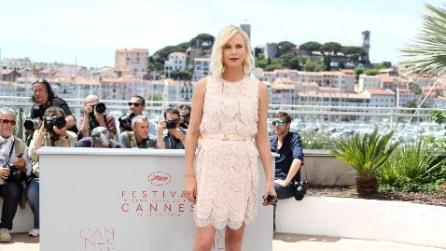 La bellezza algida di Charlize Theron a Cannes 2016