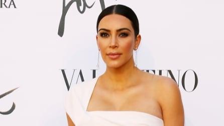 """Il look """"sobrio"""" di Kim Kardashian alla prima de """"La Traviata"""""""