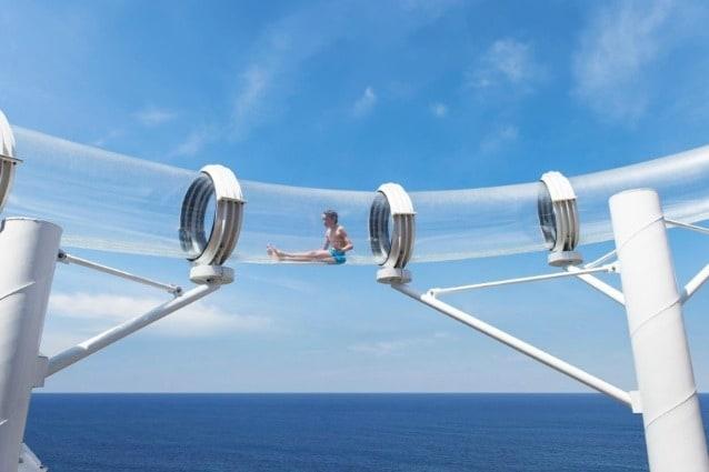 Lanciato nel 2013, lo scivolo Vertigo è lo scivolo d'acqua più lungo della MSC Crociere e il più lungo scivolo d'acqua a tubo su una nave da crociera. Vertigo, alto 12 metri e lungo 120 metri, invia i passeggeri ad una velocità media di 13 mph. consentendo di godere di una vista unica sul ponte superiore ed il mare.