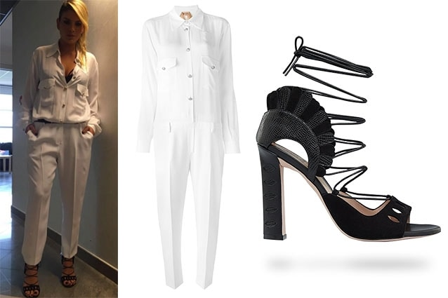 Per la prima puntata di Amici Emma Marrone sceglie una tuta total white di N.21 e sandali intrecciati di Paula Cademartori