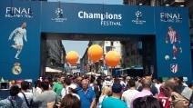 Finale Champions, Milano sembra Madrid: la città invasa dai tifosi spagnoli
