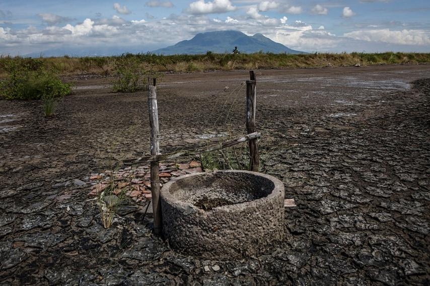 Le cause del disastro del 2006 sono ancora incerte in quanto si ritiene massimo responsabile dell'accaduto l'azienda petrolifera PT Lapindo Brantas; ma due giorni prima della tragedia un terremoto di magnitudo momento 6.3 ha colpito la costa meridionale di Java, dove diversi vulcani di fango sono stati innescati nella zona.