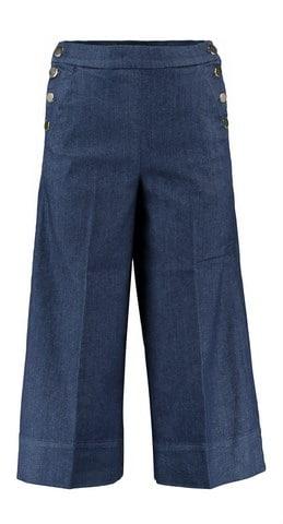 Kaos Jeans