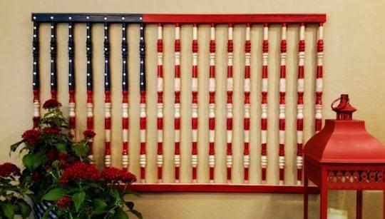 Negli Stati Uniti c'è chi ha pensato di affiggere parte della culla al muro e ridipingerla con i colori della bandiera americana: così ci si sente più patriottici.