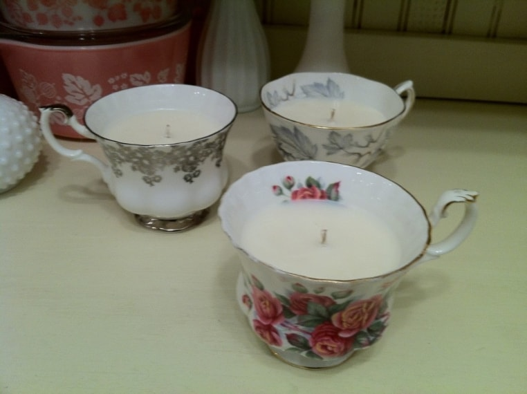Tazze trasformate in candele