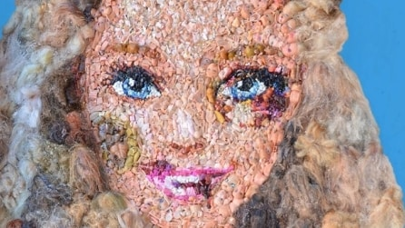 """Beaten Barbie - Mai più violenza sulle donne"", un'opera d'arte contro la violenza sulle donne"