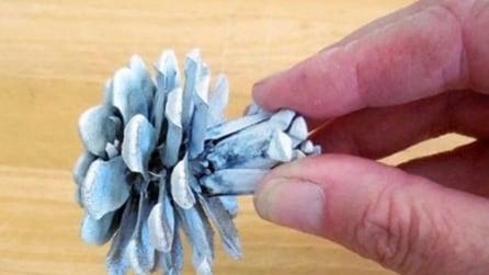 Taglia una pigna a metà: quello che crea in pochi passaggi vi tornerà utile