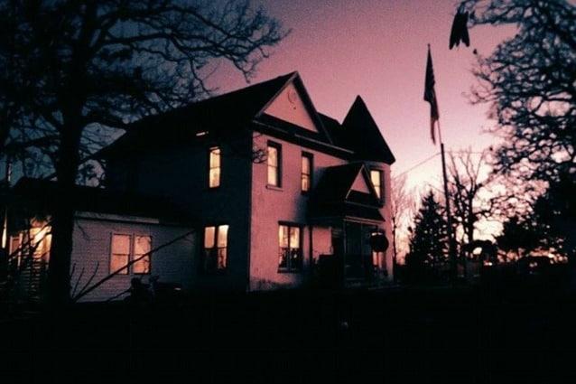 Questa casa è stata costruita nel 1850 e da più di un secolo si susseguono fenomeni soprannaturali che spaventano chiunque provi ad alloggiarci.