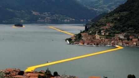 The Floating Piers, la passerella dell'artista Christo sul Lago d'Iseo