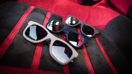 I nuovi occhiali da sole Italia Independent in Alcantara