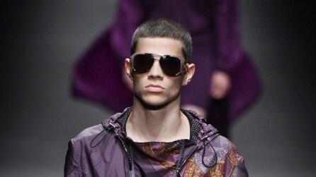 Versace collezione uomo P/E 2017: in passerella lo stile di Prince