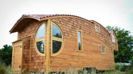 Sembra uscito da una fiaba: questa piccola casa mobile vi stupirà