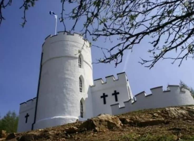 castello di Torre Bianca in Bolfracks. Può ospitare fino a quattro persone e costa £ 340 a notte.