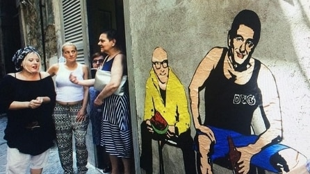 La street art a Napoli celebra Dolce&Gabbana