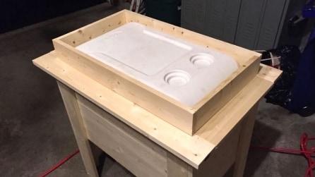 Un supporto di legno per il frigo: l'idea utilissima per l'estate