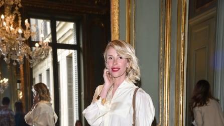 Alessia Marcuzzi alla sfilata parigina di Alberta Ferretti