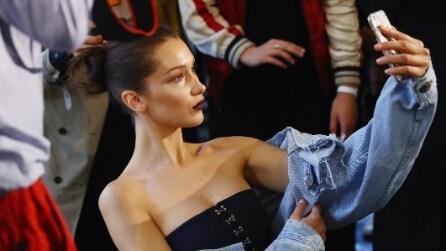 Bella Hadid bellissima alla sfilata Atelier Versace