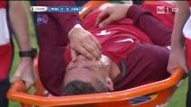 Ronaldo in lacrime, esce in barella