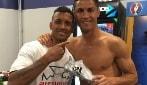 Cristiano Ronaldo cuore d'oro: regala a Nani la scarpa d'argento di Euro 2016