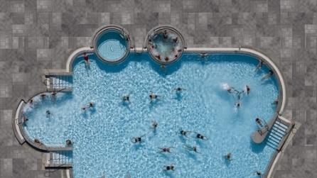 Voglia di tuffarsi: 10 piscine viste dall'alto