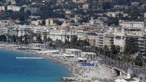 Nizza: dopo la strage le spiagge tornano a riempirsi