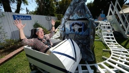 Crea un parco a tema Disney per i nipoti: il risultato è stupefacente