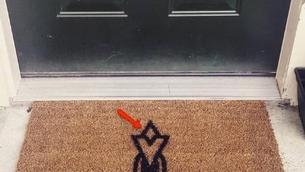 Uno speciale tappeto fuori la porta: che significato ha quel disegno?