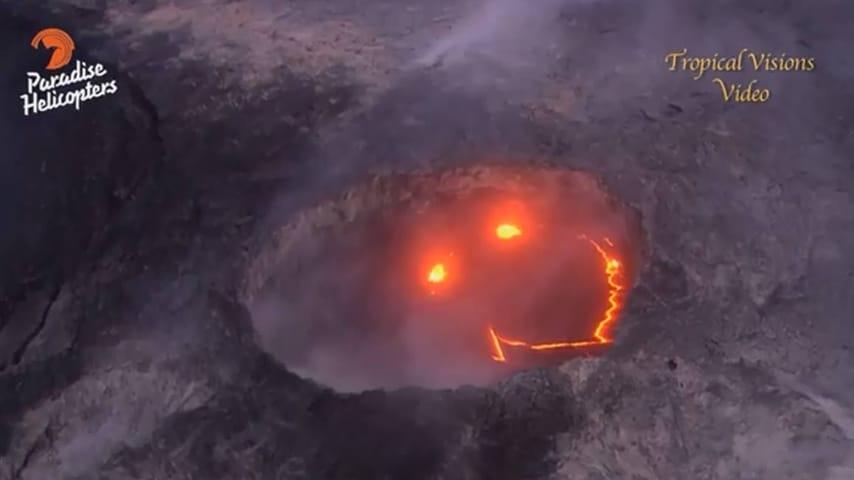 Lo smile nel vulcano Kilauea (foto tratta da Paradise Helicopters)