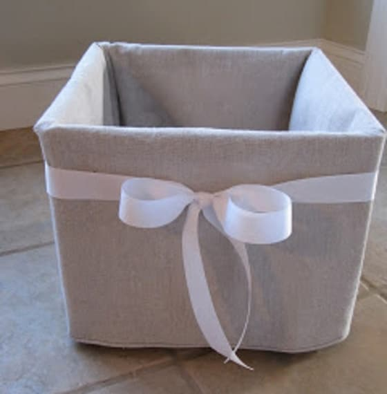 Con un rivestimento e un bel fiocco è possibile creare una bella scatola regalo