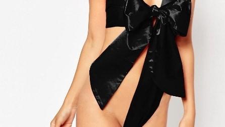 """""""Unwrap me"""": il sexy costume con maxi fiocco"""
