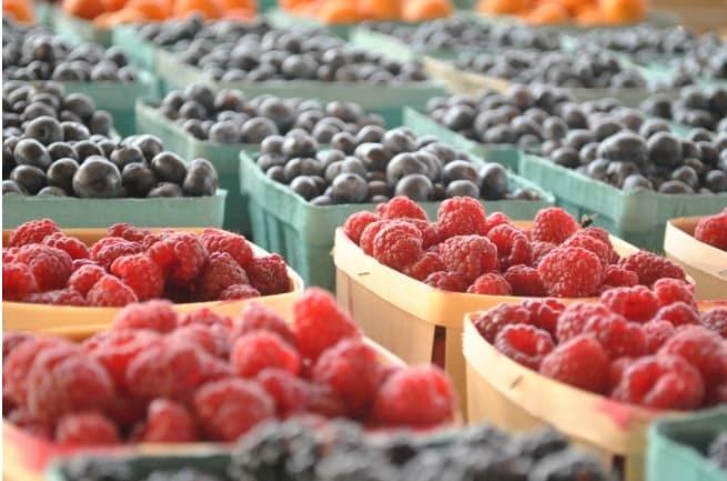 Non togliete mai i frutti di bosco dalla confezione in cui li avete comprati: in questo modo si conserveranno a lungo