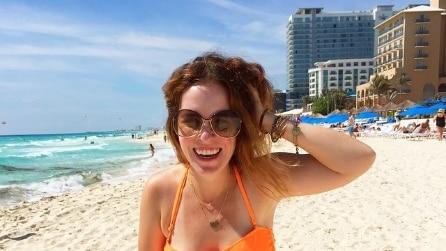Fotografa la moglie in bikini e la foto diventa reale: il motivo vi colpirà