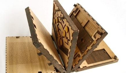 Non è un libro come tutti gli altri: potrete leggerlo solo risolvendo il rompicapo contenuto all'interno