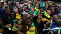 Bolt, l'oro e un selfie da leggenda. Ma che rabbia senza record
